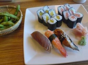 Edamame und Sushi