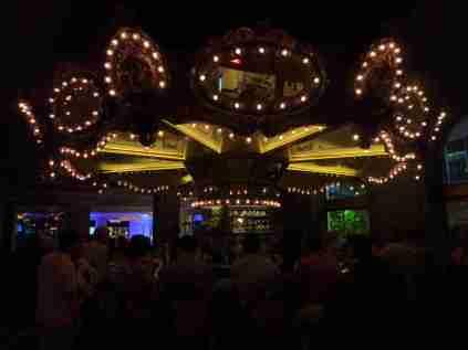 Ein Karussell nur für Erwachsene. Die Carousel Bar im Hotel Monteleone. Wie zeimlich oft in New Orleans gibt es auch hier extrem chlorhaltiges Eis