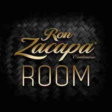zacapa_room_logo_on_petate_klein