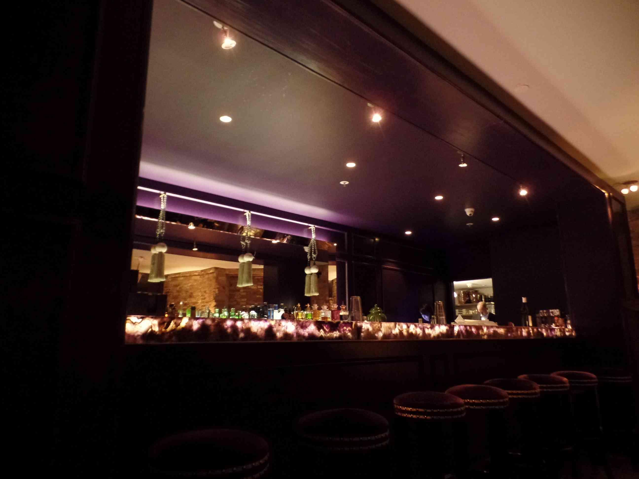 Das hätte Grace Kelly nicht verdient – Die Grace Bar im Hotel Zoo ...